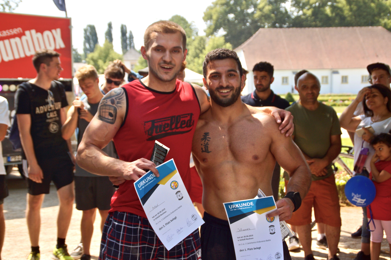 Calisthenics-Paderborn_Blog_maximum-reps-pull-up-competition-3_Siegerfoto-Artur -Johannes