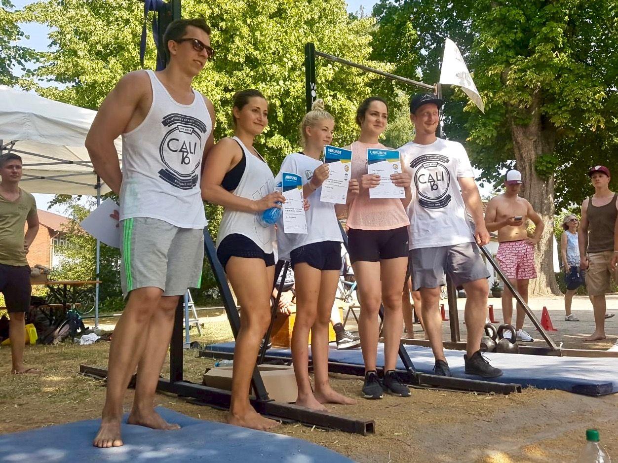 Calisthenics-Paderborn_Blog_maximum-reps-pull-up-competition-5_Siegerfoto-Damen