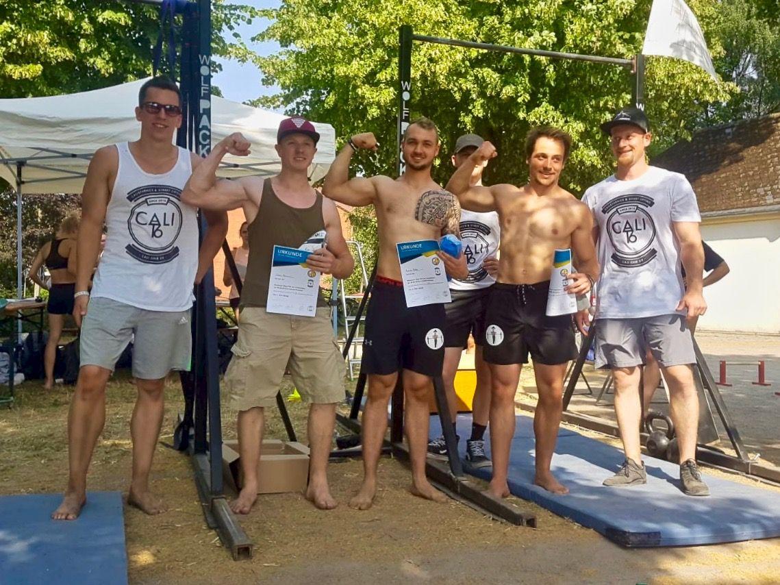 Calisthenics-Paderborn_Blog_maximum-reps-pull-up-competition-6_Siegerfoto-Herren